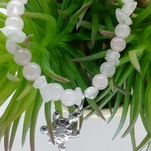 Jewelry - Lovely rosequartz bracelet with turtle accent